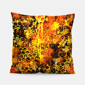 Imagen en miniatura de gxp bees fill honeycombs in hive splatter watercolor Pillow, Live Heroes
