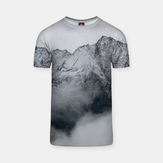 Winter Is Here - Misty Black Rocks T-shirt Bild der Miniatur