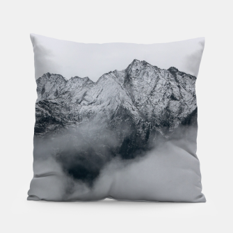 Winter Is Here - Misty Black Rocks Pillow Bild der Miniatur
