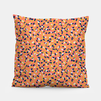 Miniaturka Sun-kissed Flowers in the Coral Gardens  Pillow, Live Heroes