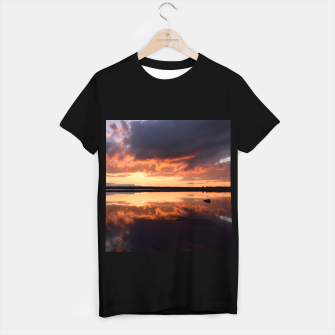 Thumbnail image of Sunset reflections T-shirt regular, Live Heroes