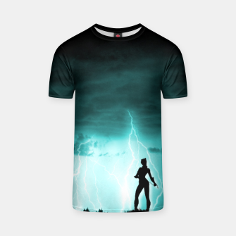 Cat on Stormy Night  T-shirt imagen en miniatura