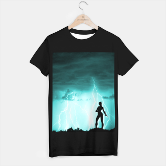 Cat on Stormy Night  T-shirt regular imagen en miniatura