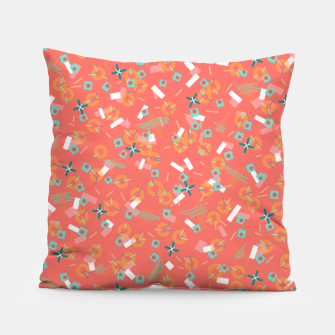 Miniatur Candy Camouflage in Coral Pillow, Live Heroes
