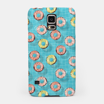 Imagen en miniatura de Chocolate Donut floats in the Summer Pool Samsung Case, Live Heroes