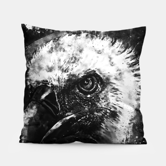 Miniature de image de face of a vulture wsbw Pillow, Live Heroes