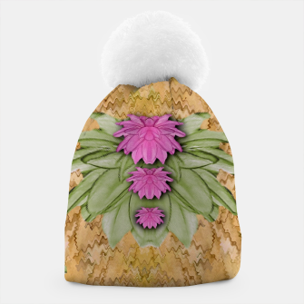 Miniatur lotus bloom in the sacred soft warm sea of love Beanie, Live Heroes