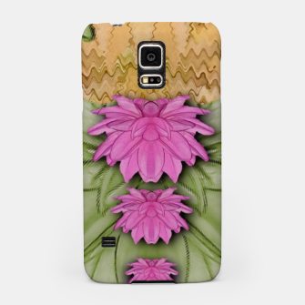 Miniatur lotus bloom in the sacred soft warm sea of love Samsung Case, Live Heroes