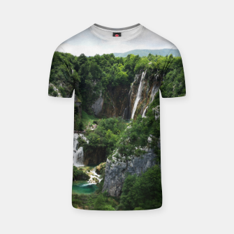 veliki slap waterfall 1 plitvice lakes national park croatia bokeh T-shirt thumbnail image
