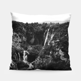 Miniaturka veliki slap waterfall 1 plitvice lakes national park croatia bw vintage Pillow, Live Heroes