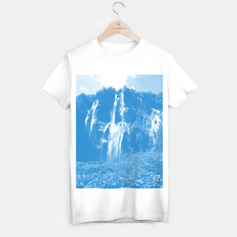 veliki slap waterfall 2 plitvice lakes national park croatia wb T-shirt regular thumbnail image