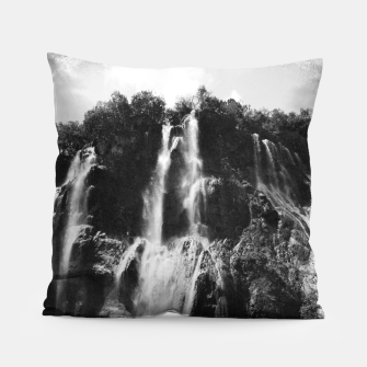 Miniaturka veliki slap waterfall 2 plitvice lakes national park croatia bw vintage Pillow, Live Heroes