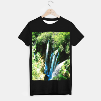 lower lake waterfall plitvice lakes national park croatia agfa T-shirt regular thumbnail image