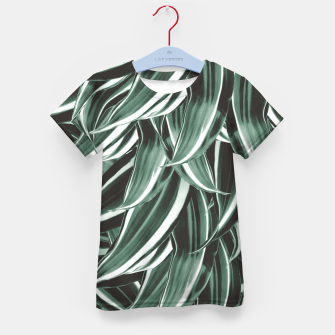 Thumbnail image of Tropical Greenery #1 #green #pattern #decor #art T-Shirt für kinder, Live Heroes