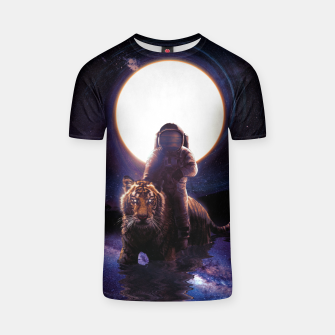 Thumbnail image of Hunter T-shirt, Live Heroes