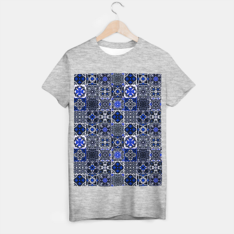Thumbnail image of Geometric Moroccan Traditional Oriental Tiles Style  T-shirt regular, Live Heroes