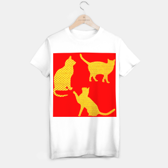Golden cats-Red Camiseta Regular thumbnail image