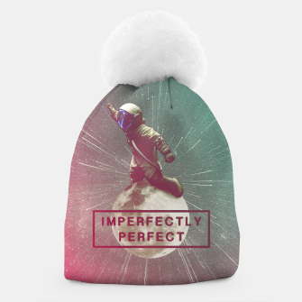 Miniatur Imperfectly Perfect Beanie, Live Heroes