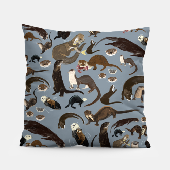 Imagen en miniatura de Otters of the World pattern in grey Almohada, Live Heroes