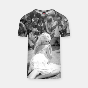 Thumbnail image of Photo of French actress Brigitte Bardot during 1958, Venice Film Festival T-shirt, Live Heroes