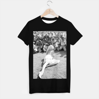 Thumbnail image of Photo of French actress Brigitte Bardot during 1958, Venice Film Festival T-shirt regular, Live Heroes