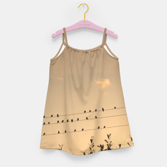 BIrds on wires Girl's dress Bild der Miniatur