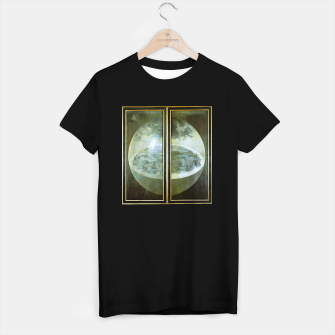 Fashion and decor items of Hieronymus Bosch painting The Creation of the World - The exterior shutters of The Garden of Earthly Delights T-shirt regular Bild der Miniatur