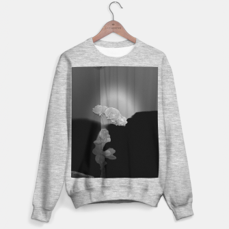 Thumbnail image of White roses in black Bluza standard, Live Heroes