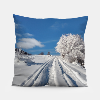 Thumbnail image of Winter landscape  transylvania Almohada, Live Heroes