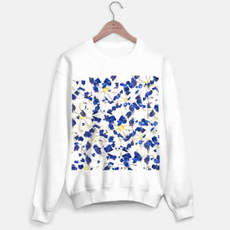 Thumbnail image of white daisies and blue cyclamens floral pattern Sweater regular, Live Heroes