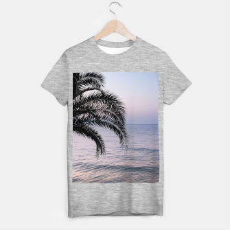 Thumbnail image of Palm & Ocean Dream #3 #tropical #pastel #wall #decor #art T-Shirt regulär, Live Heroes