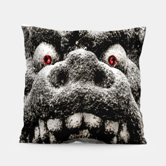 Miniaturka Monster Sculpture Extreme Close Up Illustration Pillow, Live Heroes