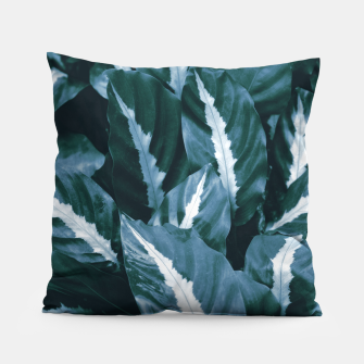 Imagen en miniatura de Blue Green Tropical Jungle Night Leaves #1 #tropical #decor #art Kissen, Live Heroes