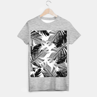 Thumbnail image of Tropical Banana Leaves Pattern #1 #tropical #decor #art  T-Shirt regulär, Live Heroes