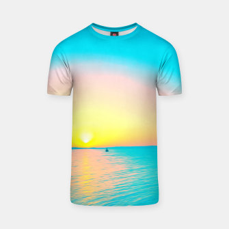 Miniature de image de Romantic summer sunset in blue and a sailing boat in the sea T-shirt, Live Heroes