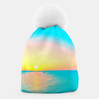 Miniature de image de Romantic summer sunset in blue and a sailing boat in the sea Beanie, Live Heroes