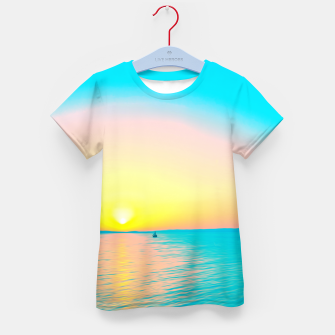 Miniature de image de Romantic summer sunset in blue and a sailing boat in the sea Kid's t-shirt, Live Heroes