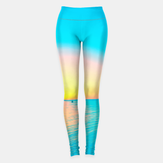Miniatur Romantic summer sunset in blue and a sailing boat in the sea Leggings, Live Heroes