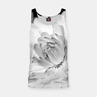 Miniatur White blossoming chrysanth, black and white flower photography Tank Top, Live Heroes