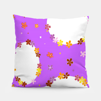 Thumbnail image of Vintage white flowers chain on purple Almohada, Live Heroes