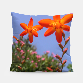 flower garden Pillow obraz miniatury