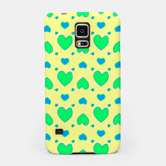 Thumbnail image of Blue and green hearts on yellow Carcasa por Samsung, Live Heroes