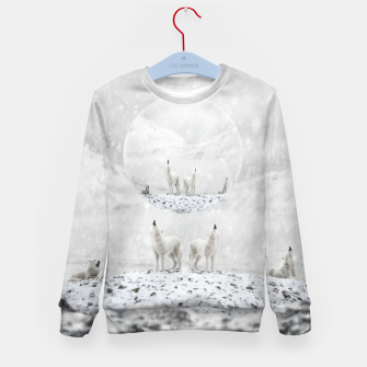 Thumbnail image of Howling Wolves in a Winter landscape Kindersweatshirt, Live Heroes