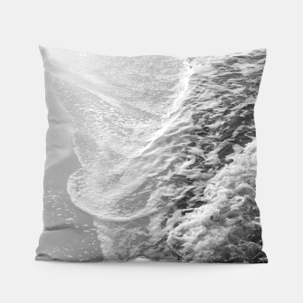 Imagen en miniatura de Black & White Ocean Dream Waves #1 #water #decor #art Kissen, Live Heroes