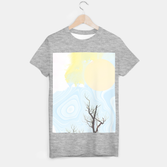Trees and colourful sky T-shirt regular Bild der Miniatur