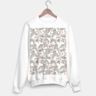 Flying flock of crane birds Sudadera regular Bild der Miniatur