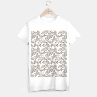 Flying flock of crane birds Camiseta Regular Bild der Miniatur