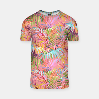 Tropical mood on a strawberry pink sunset T-shirt Bild der Miniatur