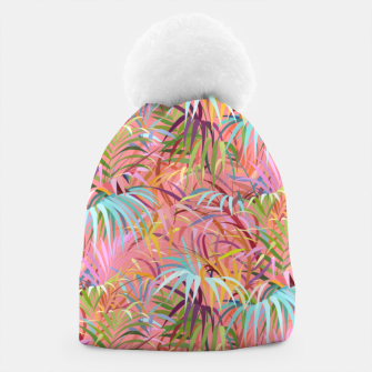 Tropical mood on a strawberry pink sunset Beanie Bild der Miniatur