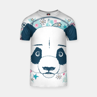 Thumbnail image of Panda con auriculares, Live Heroes